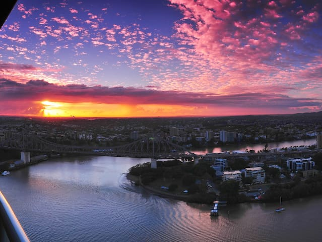 Views That Will Amaze! 2bd, 2bth! - Brisbane - Apartament
