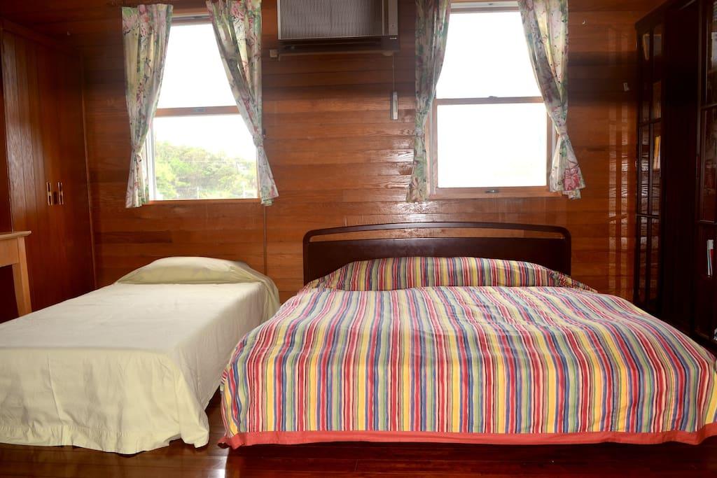 予備ベッドを追加できます。 One portable bed can be added.
