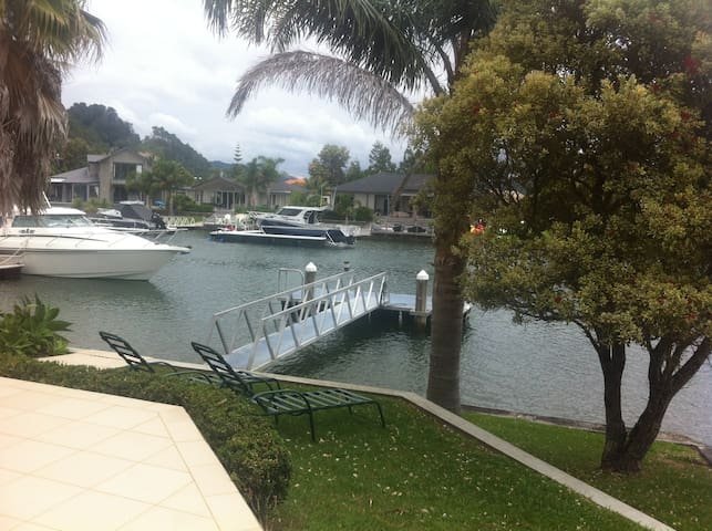 Beautiful home on Pauanui Waterways - Pauanui - House