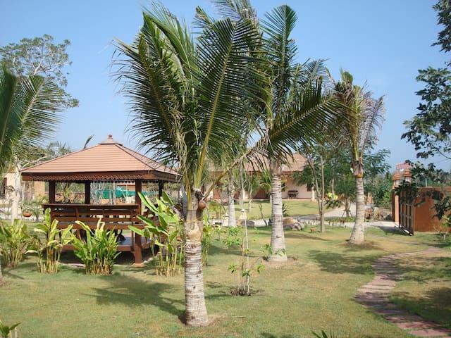 Green Home Resort - Pak Nam Pran - Rumah