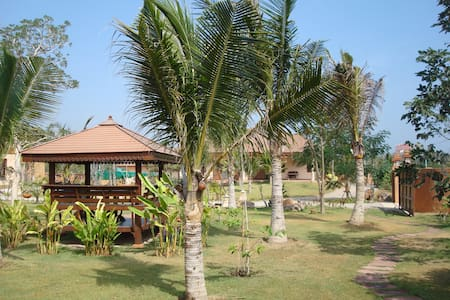 Green Home Resort - Pak Nam Pran - บ้าน