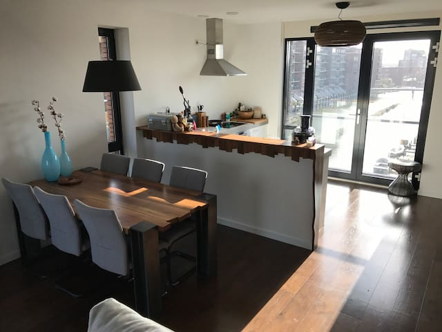 Beautiful waterside apartment with large terras - Amsterdam - Appartement