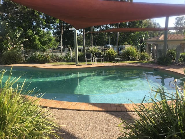Close to airport/city. Pool family complex.