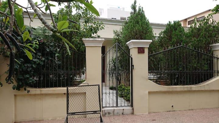 Guest house 6 pax near 4 km stadium Cerro Porteño.