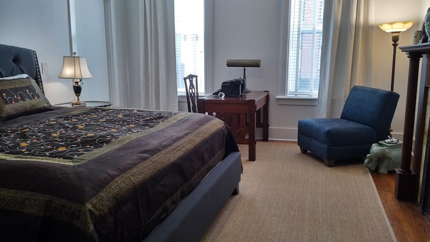 Jeremiah Downing Suite at The Hudson Guest House - Hudson - Bed & Breakfast