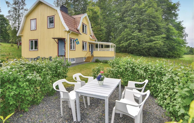 Holiday cottage with 3 bedrooms on 95m² in Kalv