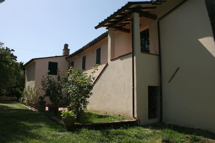 Typical farmhouse in Umbria - Torgiano - Pis