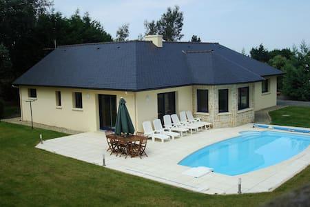Maison vue mer et piscine chauffée - Plestin-les-Grèves - บ้าน