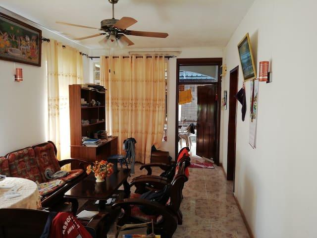 Jhummun house