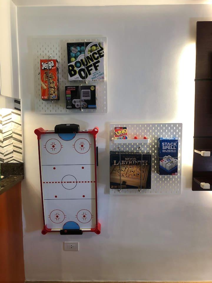 Pine Suites Tagaytay - Board/Retro Games Unit