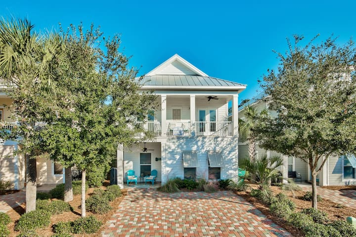 Lost Shaker of Salt~One of The Newest Home to the Rental Market in Villages of Crystal Beach. Upscale and Located on the South end closest to the beach!!!