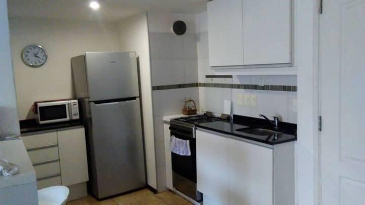 Apartamento tipo estudio, cómodo y seguro