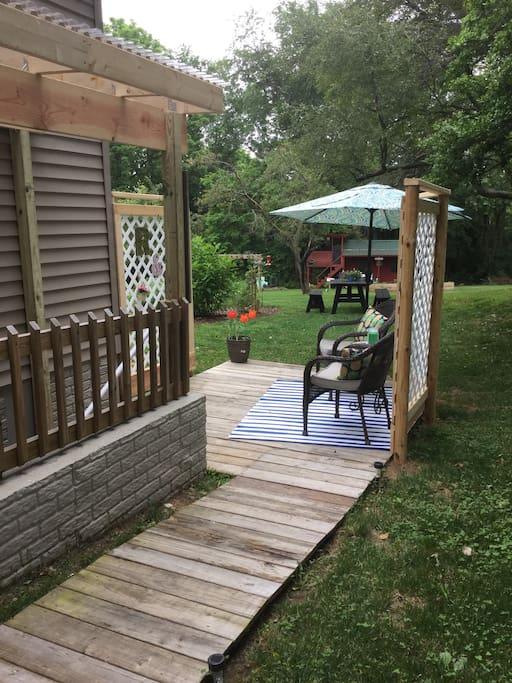 Boardwalk to deck and entranceway