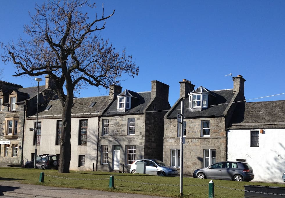 Apartment is set in a quiet central location of the historic centre of Grantown on Spey.