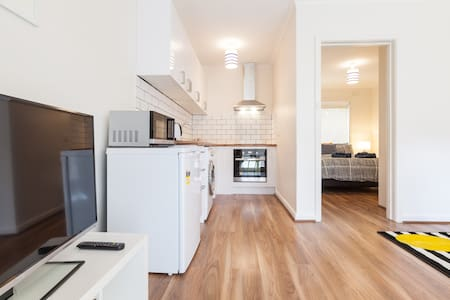 Heart of Carnegie, Melbourne - Carnegie - Apartament