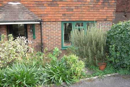Two twin bedded bedrooms - Petworth