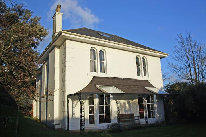 Stunning Victorian house in Totnes - Totnes - Huis