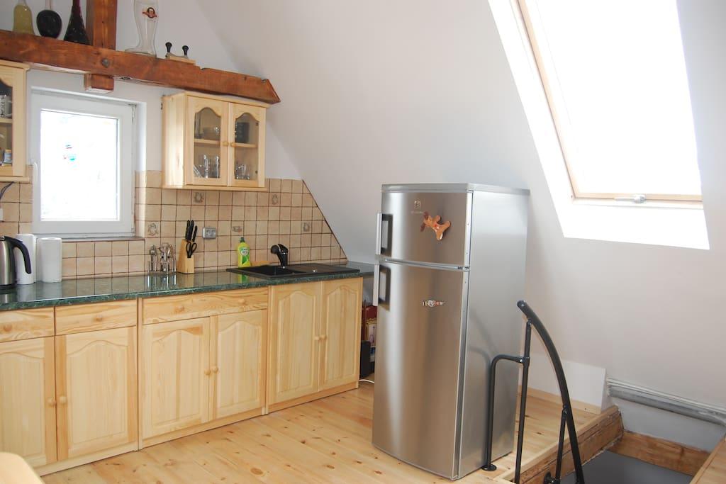 kacik kuchenny ze schodami wejściowymi kitchencorner with entrance stairs