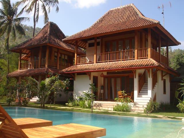B&B in beautifull palmtree garden - Mangsit - Bed & Breakfast