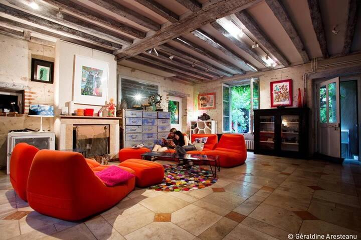 Maison sur cour en centre-ville - Orléans