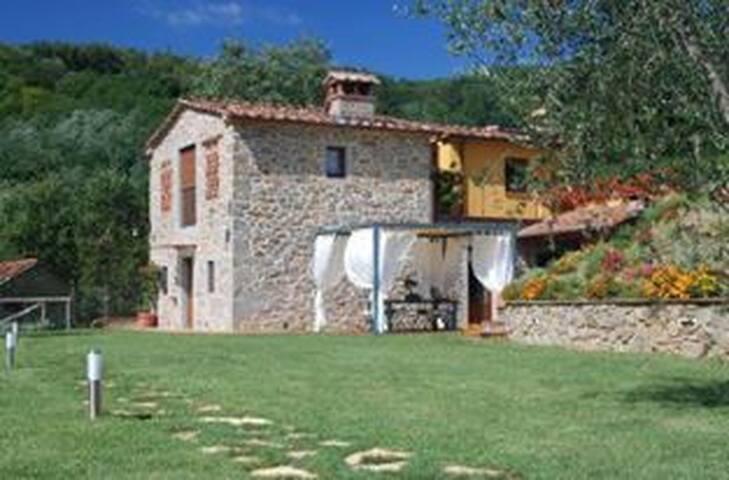 Rustico in Pietra con piscina - Pescia - Casa