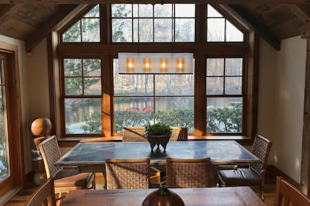 The Weston River House – 1 hr from NYC