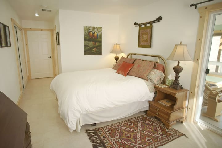Tygh Ridge Ranch Lodge Apt w/ Sunroom, Trundle bed