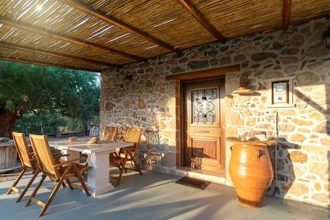 Garden Stone Cottage Ariadni near the beach