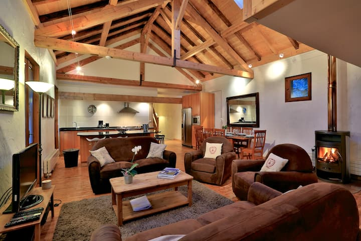 Spacious 4 bedroom loft in Chamonix centre, 8 pers