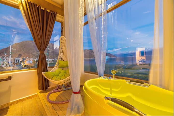 一线海景蜜月阳光大床房,视野好,高性价比,位于洱海海东挖色镇