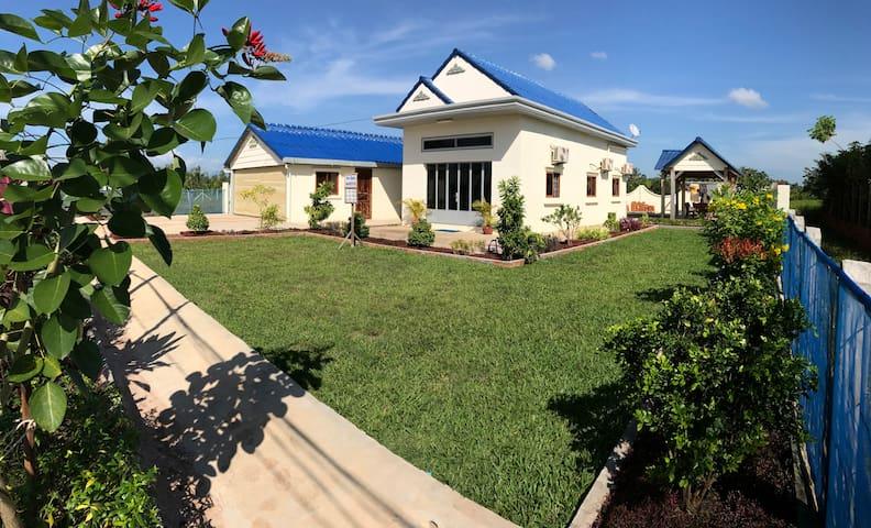 TJ's Villa - Krong Kaeb - Casa