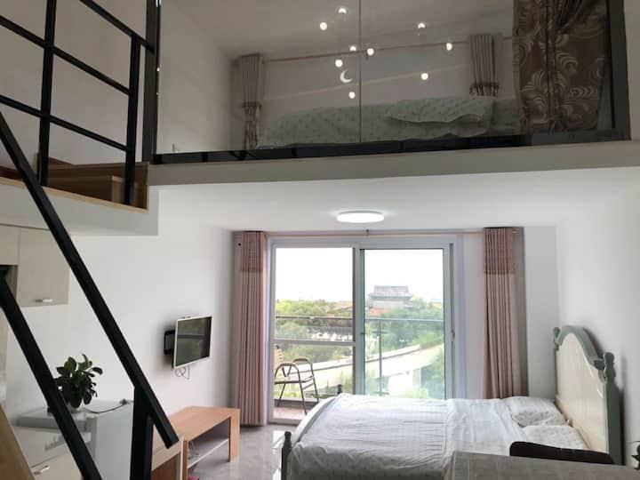 蓬莱阁复式loft,家庭房,海水浴场,小吃街楼下