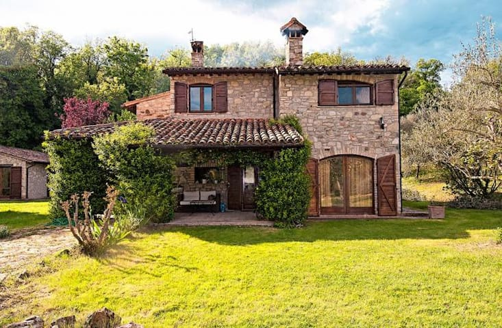 Charming stone-built house with private lawn &pool - Monte Castello di Vibio
