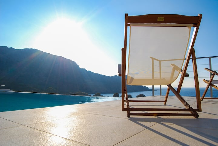 Luxury villa Corallium with sea view in Kissamos