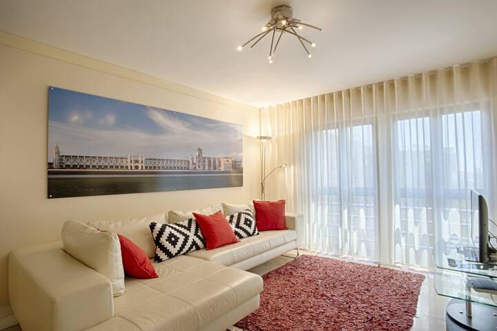 Green Executive Apartment (C27)