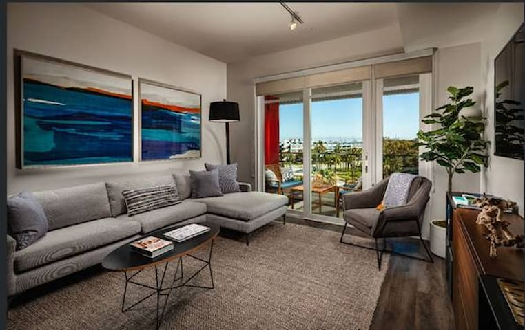 1br - 648ft2 - BRAND NEW 1BD