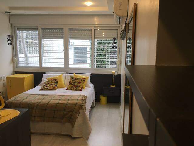 Suite Amarela em casa,perto do Clínicas e da PUCRS