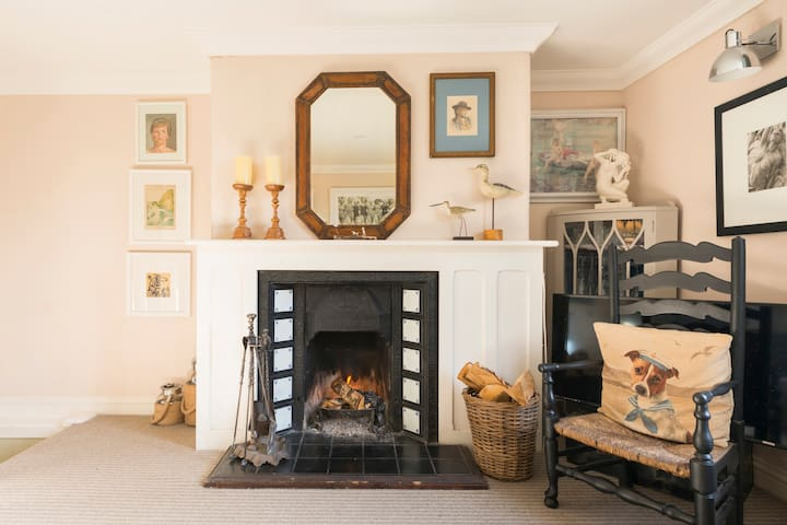 relax in a Clapboard House in Old Deal