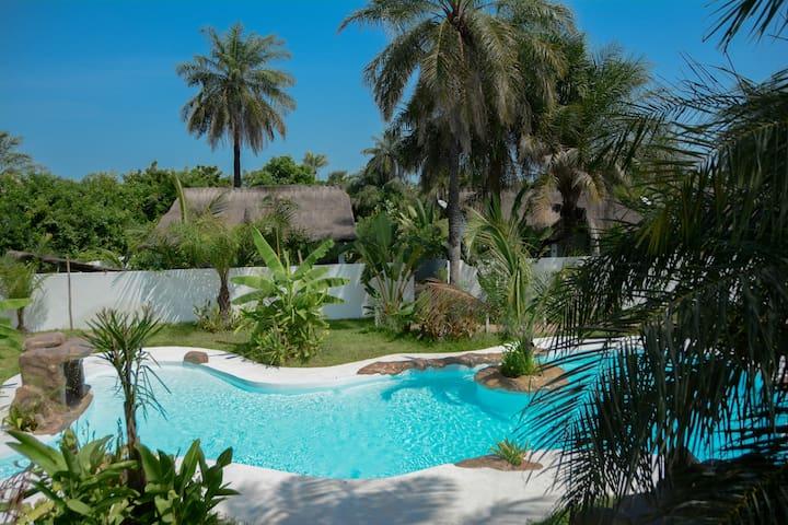 OASIS CLUB 1  Maison de charme Piscine tropicale