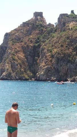 nella vicina perla di Taormina e sul mare - Sant'Alessio Siculo - Lägenhet