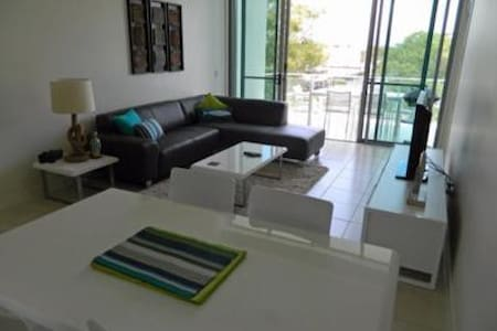 Beautiful Modern Woorim unit walk to beach - Woorim - Appartement