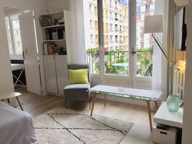 Very cosy and charming 2 rooms apartment in 15th