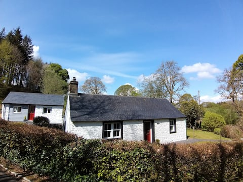Idyllic Country Cottage with Detached Luxury Bothy