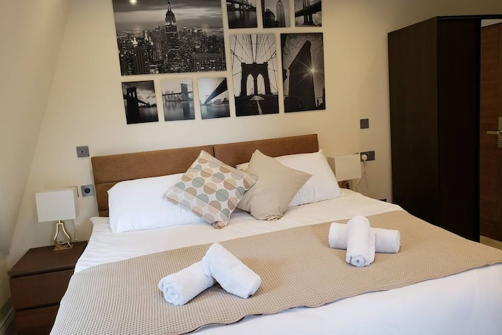 """Luxury Double Room"" In London Near Westfield"
