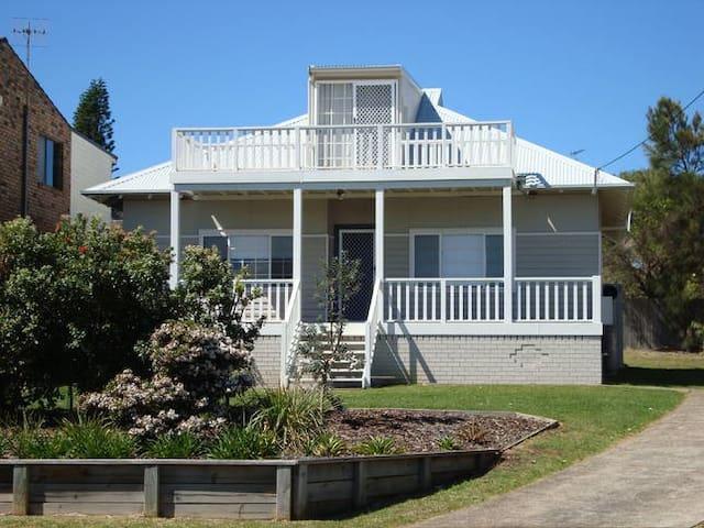 Manyana Beach House - Manyana - Rumah