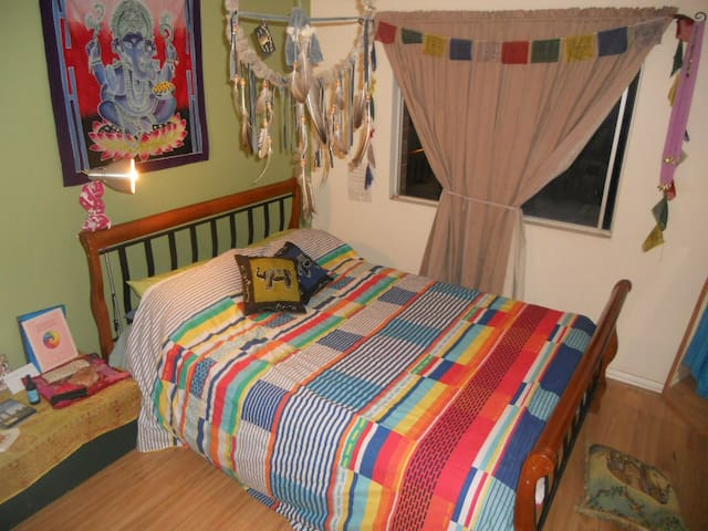 Cute room with double bed - Hamilton Hill - Huoneisto