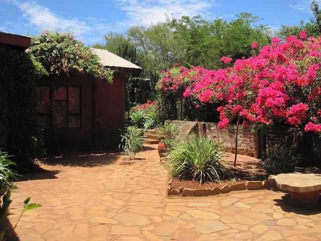 Karatu cottage with beautiful views - Karatu - Casa