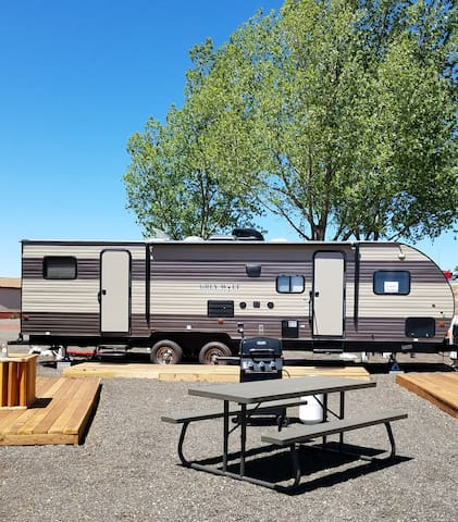 Grand Canyon Camper - The Perfect Family Glamping Getaway