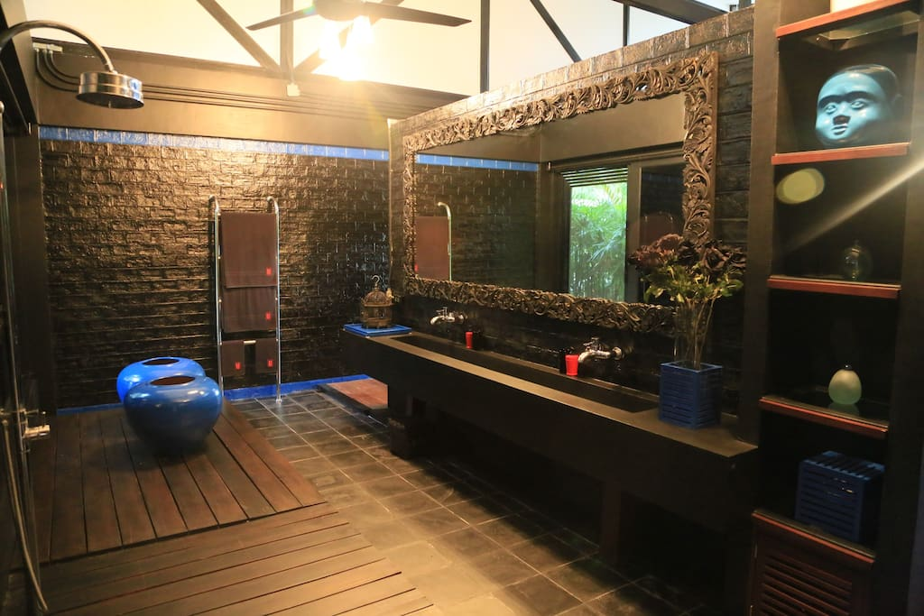 Bathroom with Rain Shower and seperated toilet