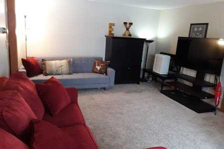 Cozy Shared Home with Garage, North Side La Crosse